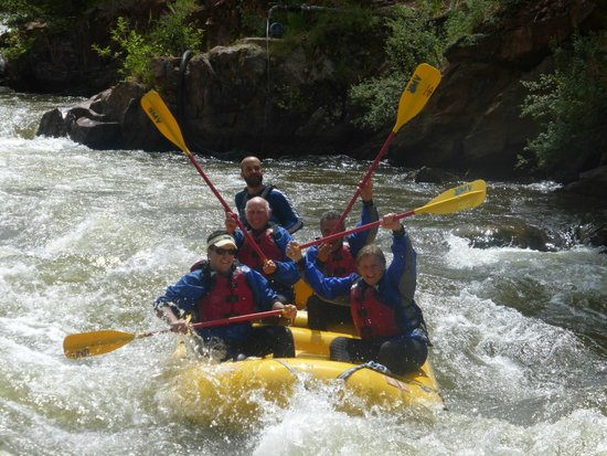 Aspen Whitewater Rafting: Cruising the rapids...