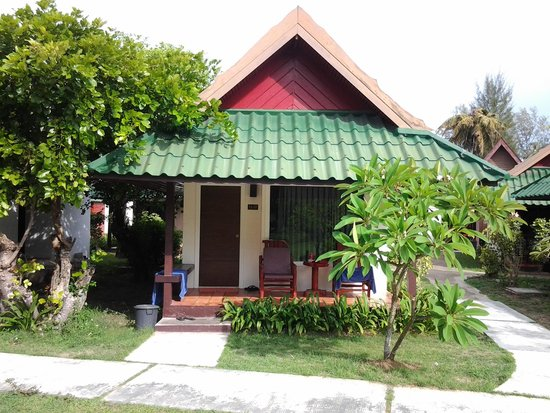 Golden Bay Cottages: Our deluxe bungalow
