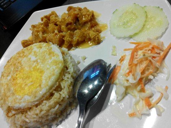 Tea Garden Kangar: Chicken Chop with Fried Rice