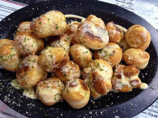 Capone's Pizza: Garlic Knots Appetizer