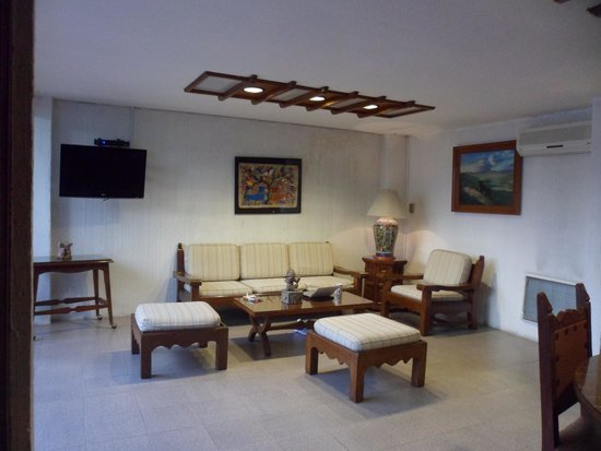 Suites Amberes: lounge
