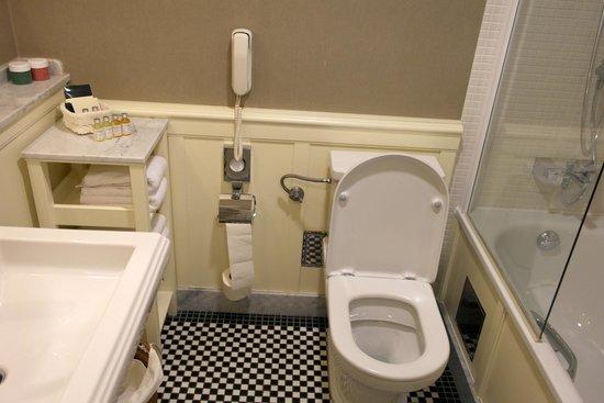 Marrol's Boutique Hotel Bratislava: Superior Double Room Bathroom