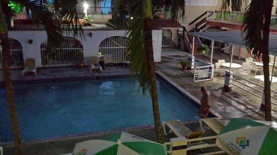 Hotel Perichi's: La piscina