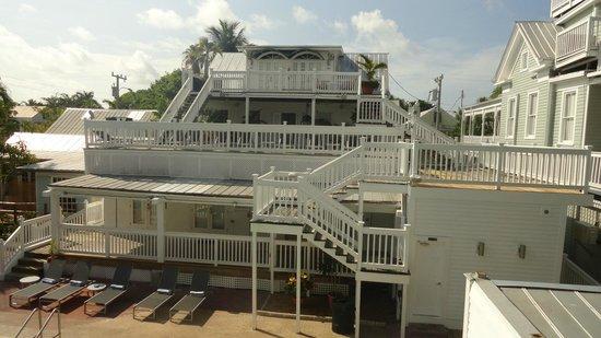 NYAH Key West: Vista de um dos blocos do hotel.
