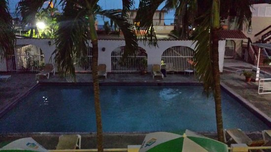 Hotel Perichi's: Toda el area d la piscina