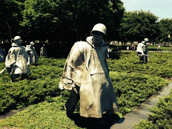 Korean War Veterans Memorial: Larger-than-Life Soldiers at the Korean War Veterans' Memorial
