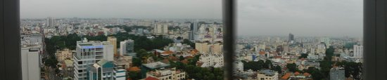 Novotel Saigon Centre Hotel : Ontop bar looking West