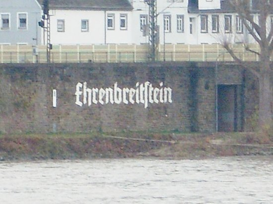 Deutsches Eck (German Corner) : ...der Hinweis...