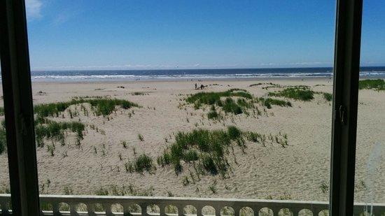 Ebb Tide Oceanfront Inn: view from room