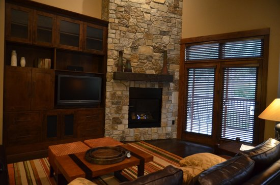 Northstar Lodge by Welk Resorts: living room