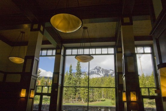 The Lodge at Big Sky: Breakast view