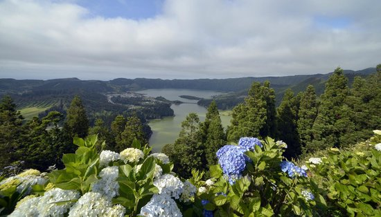 Caldeira das Sete Cidades: Вид на озера с южного берега