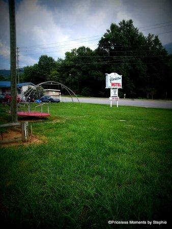 The Clarketon Motel : Playground