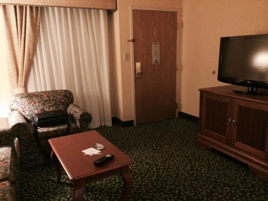 Embassy Suites by Hilton Greenville Golf Resort & Conference Center : spacious rooms