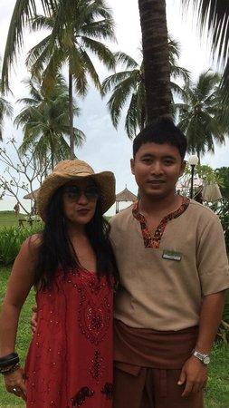 Kantary Beach Hotel Villas & Suites Khao Lak: Friendliest staff at the restaurant