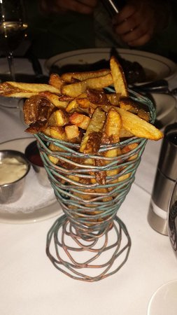 Vic & Anthony's Steakhouse - Las Vegas: Sea salt fries tasted fresh cut and heavenly.  Portion was small for the price.