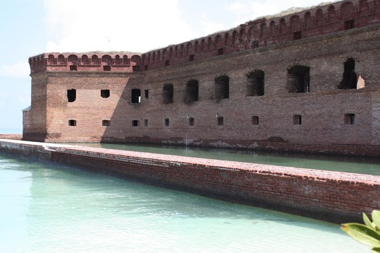 Dry Tortugas National Park: Moat Wall