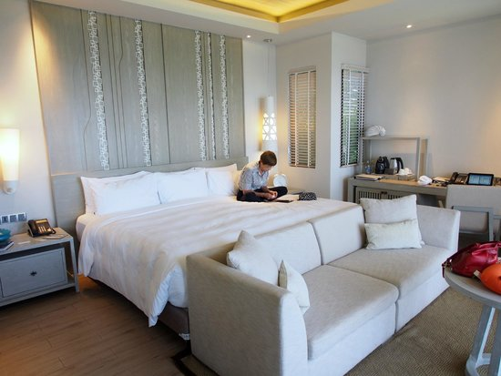 Pullman Phuket Arcadia Naithon Beach : This is a BED
