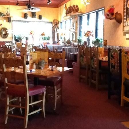 Margaritas Mexican Restaurant : pretty dining room