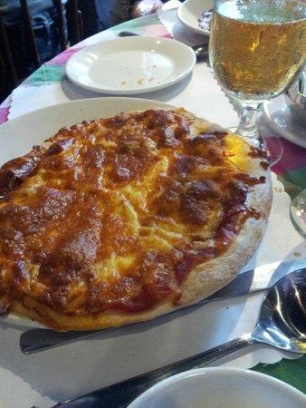 Cafe de Paris: Pizza
