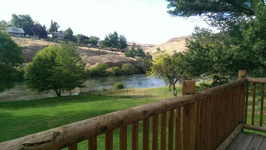 Imperial River Co.: View of the Deschutes river from our balcony at Imperial River Company