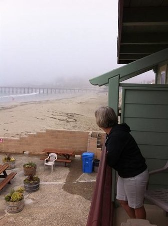 Cayucos Shoreline Inn...on the beach: close to beach
