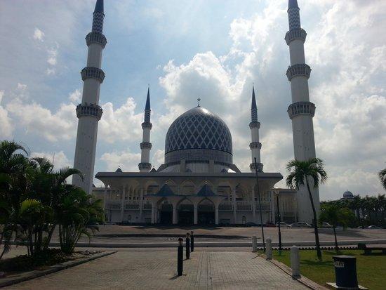 Abdul-Aziz-Shah-Moschee: Blue mosque