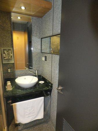 Le Parker Hotel: toilet