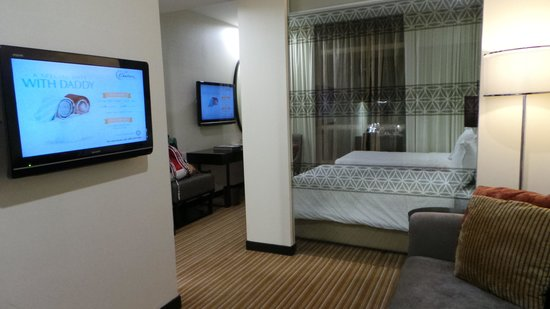 Hatten Hotel Melaka : nice and clean room with 2 LCD TVD!