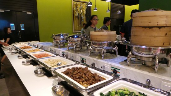 Hatten Hotel Melaka : wide variety to choose from for breakfast - one of the best in Malacca!
