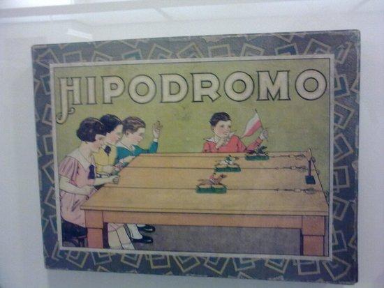 Museu del Joguet de Catalunya: Horse-race board game