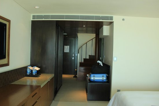 The Westin Siray Bay Resort & Spa Phuket : Elevation Suite view (staircase to upstairs living area)