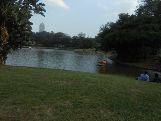 Uhuru Gardens Memorial Park: The 'Lake' at the Park