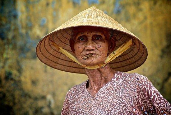 Coconut Tours: Market Lady