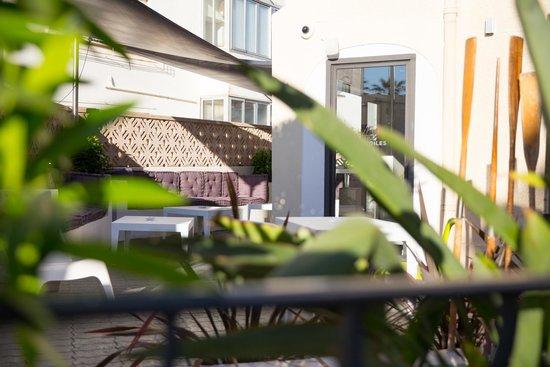Réception & personnel de l\'hôtel - Photo de Hotel Les Voiles, Toulon ...