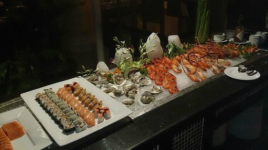 Hotel Majestic Saigon : BBQ seafood buffet 2