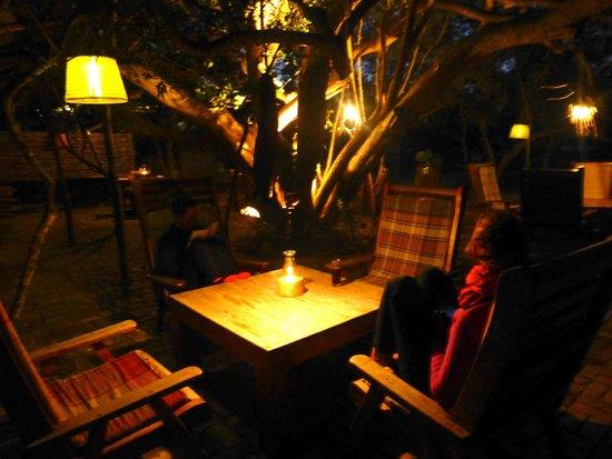 Marimba Secret Gardens : Dinning Area- lit with lanterns