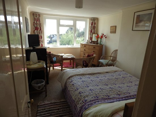 Old Coastguard Cottages: Lovely double bedroom