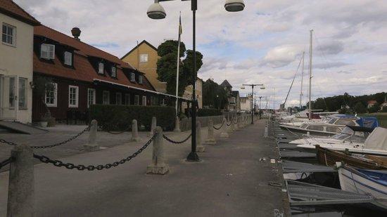 Ahus Gastgifvaregard: Dockside view