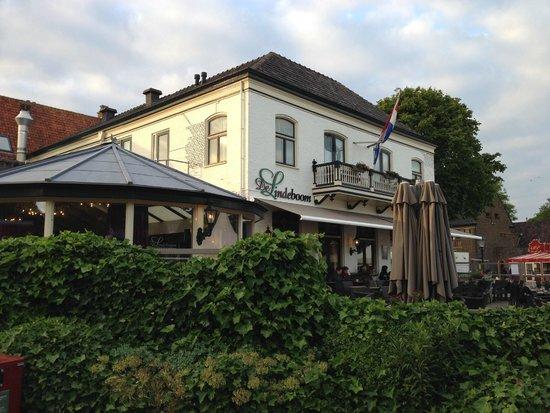 Hotel de Lindeboom : Old style .