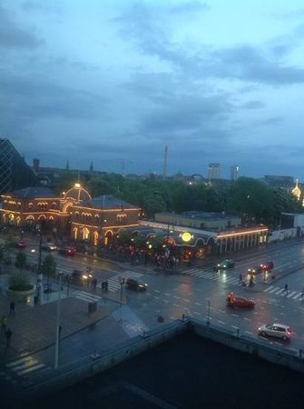 Radisson Blu Royal Hotel Copenhagen: tivoli park from my room