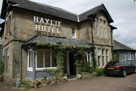 Haylie Hotel: A outside veiw