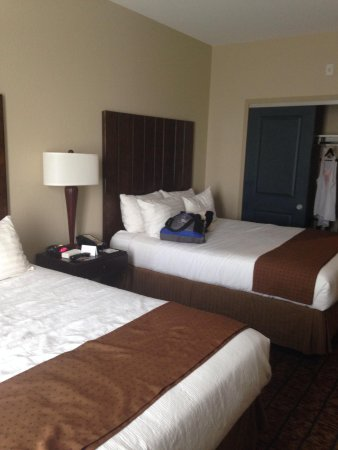 Holiday Inn San Antonio NW - Seaworld Area: Two queen beds. (Comfy)