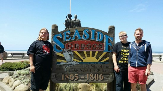 Turnaround at Seaside: Took photos and the end of our trip. Nice picture spot.