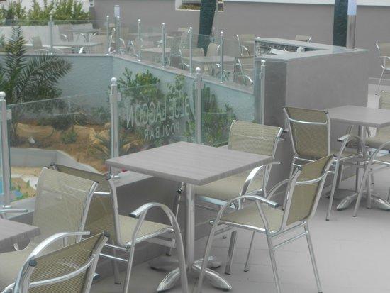 Byzance Hotel: pool bar