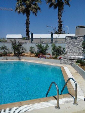 Byzance Hotel: piscine