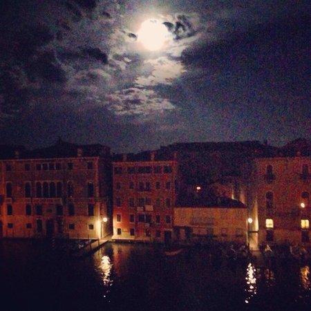 Ca' Angeli: Ночь в полнолуние