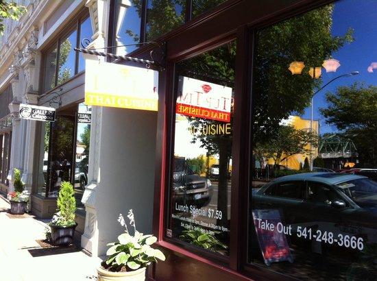 Thai Restaurant Albany Oregon
