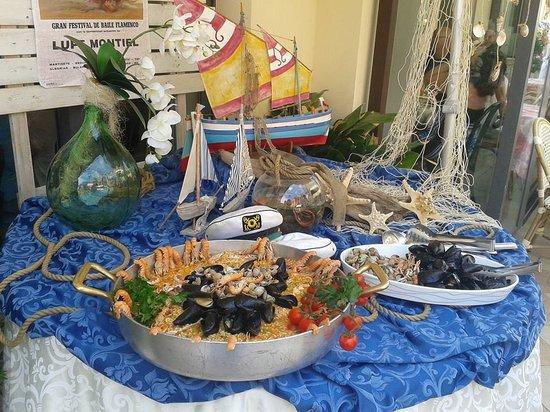 La Conchiglia Hotel : paella marinera servita in terrazza !