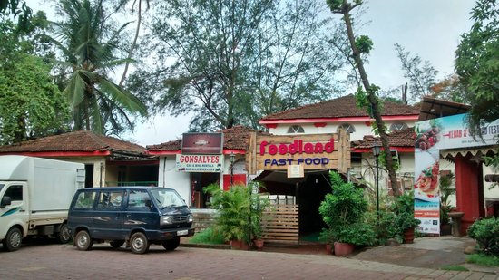 Miramar Residency: Restaurant